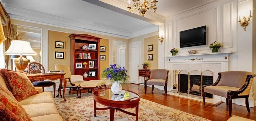 The Tennessee Williams suite at the Elysee Hotel
