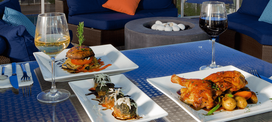 Grab a bite at the casual yet elegant Ocean View Bar & Grill, the main restaurant of the Hotel Indigo San Diego Del Mar.