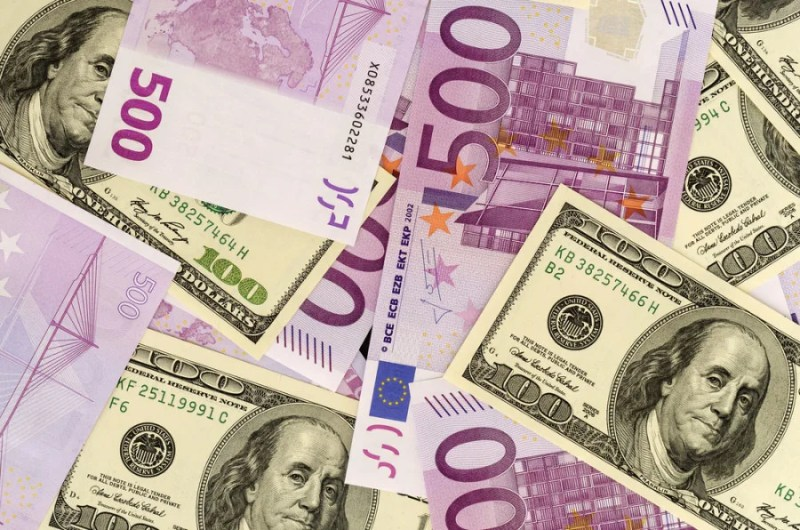 Don't mix your dollars and Euros.  (Photo courtesy of Shutterstock)
