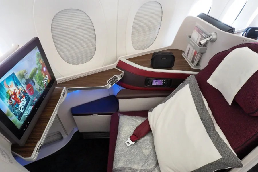 "You can ""dim"" your windows on the Boeing Dreamliner, but you get full blackout shades on Qatar's A350."