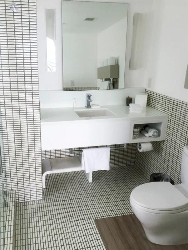 Great tilework in the bathroom.