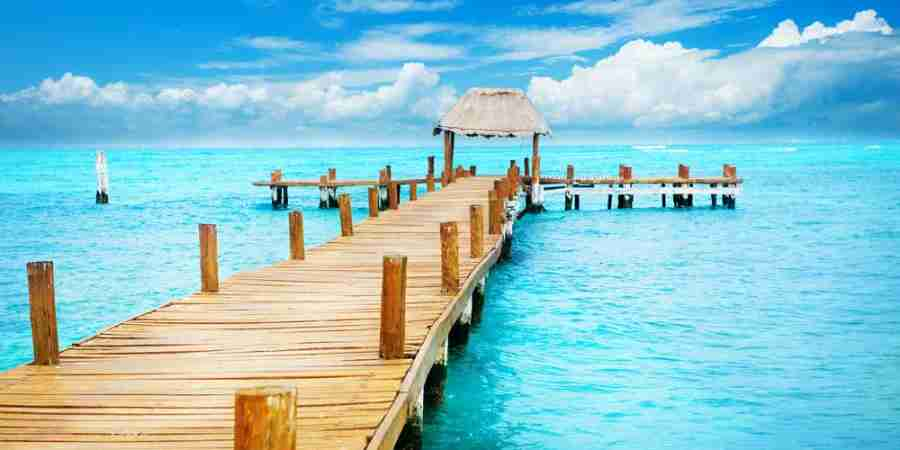 Spend the holidays in sunny Cancun (image courtesy of Shutterstock)