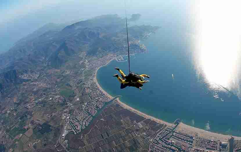 skydiving costa brava spain