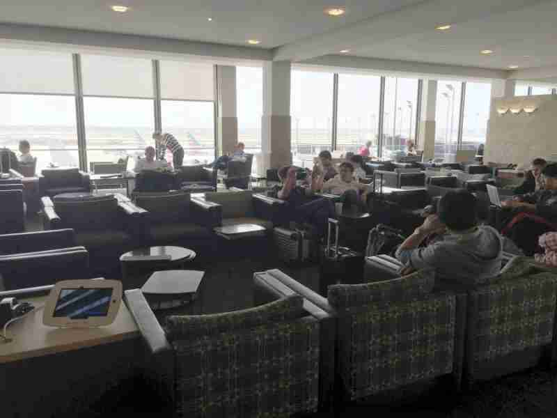 There are plenty of seating options at the H/K Admirals Club, but most were fairly crowded.