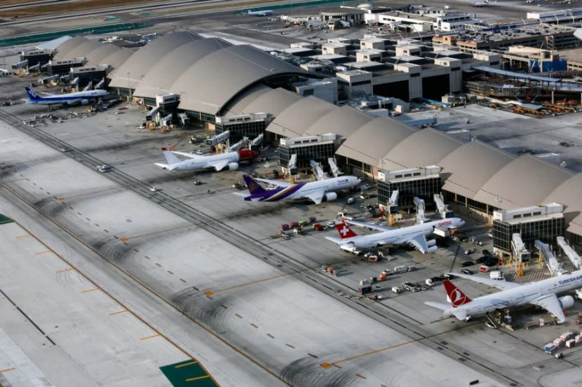Your Layover Guide To Los Angeles Lax