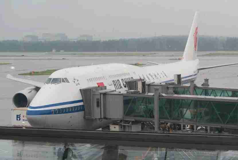 Air China 747-8i at gate in PEK