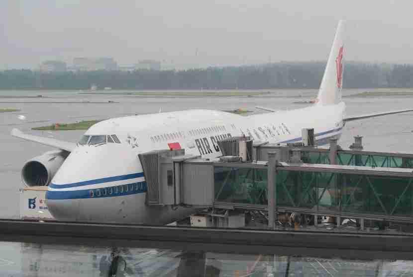 Air China 747-8i at gate in PEK