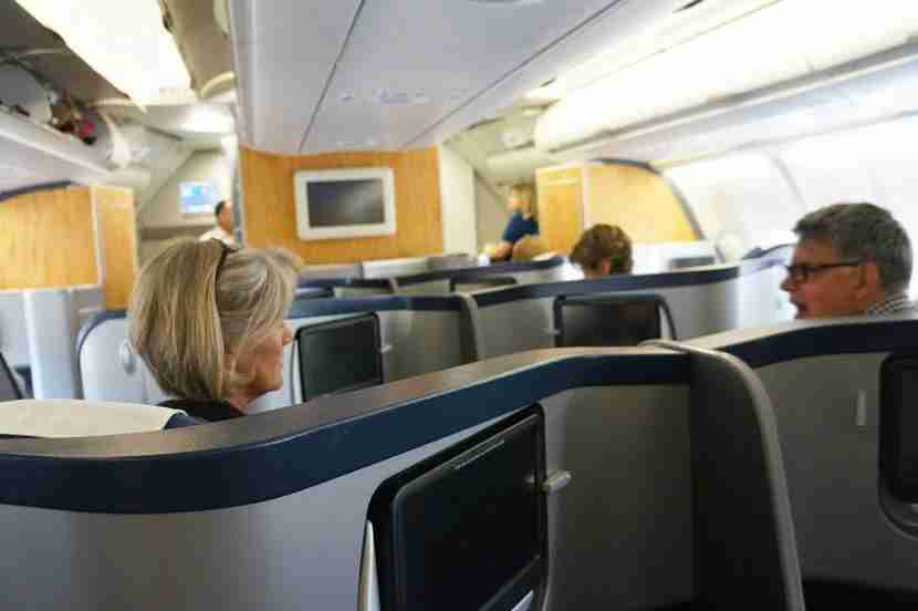 There are 36 inches between the two middle seats in the business class cabin of US Airways