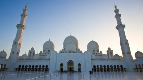 Your Layover Guide to Abu Dhabi (AUH)