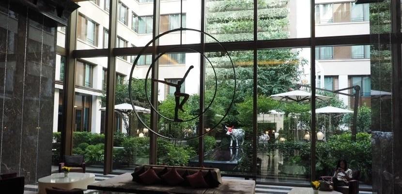 hotel review mandarin oriental paris. Black Bedroom Furniture Sets. Home Design Ideas