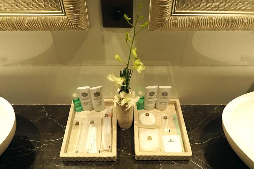 Remède amenities in the master bathroom.