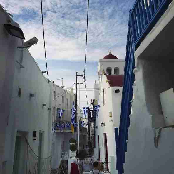 A rare sight: a near-empty alley way in Mykonos.