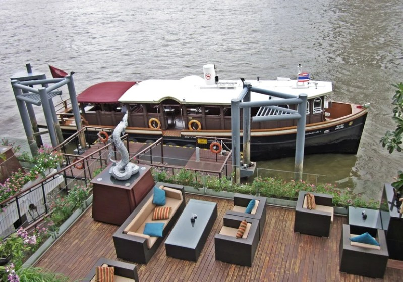 The Royal Orchid Sheraton's own riverboat which shuttles back and forth along the river to the Skytrain station.