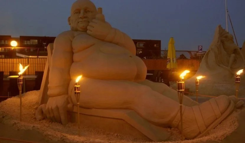 You can pop over to Sneek to visit the sand festival