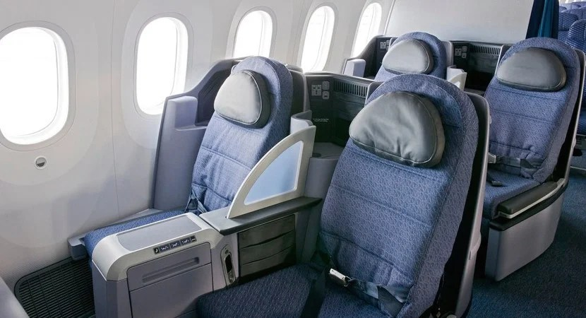 United 787 BusinessFirst cabin.