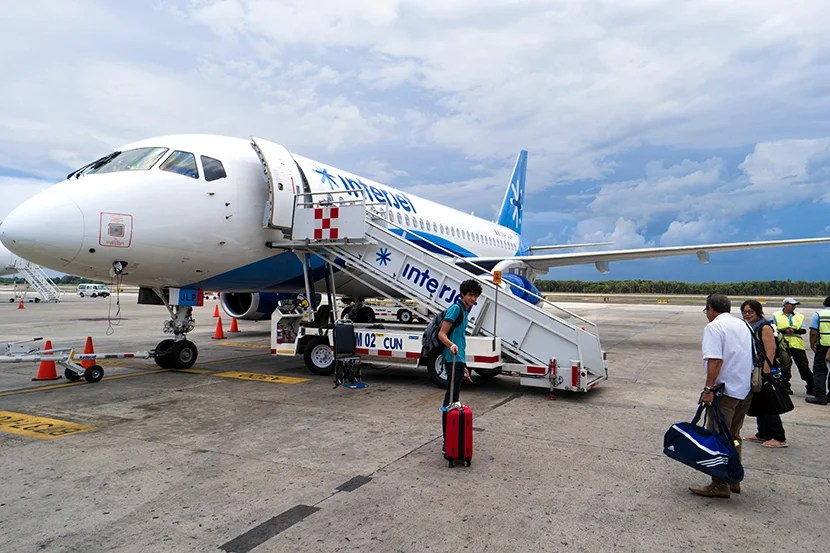 830-interjet plane