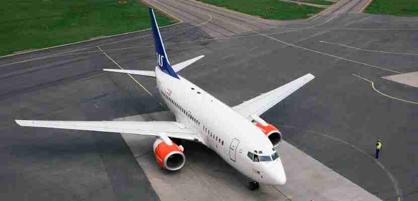 An SAS 737.