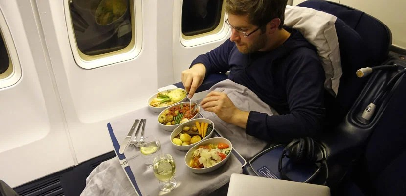 Who REALLY Has the Best Airline Food?