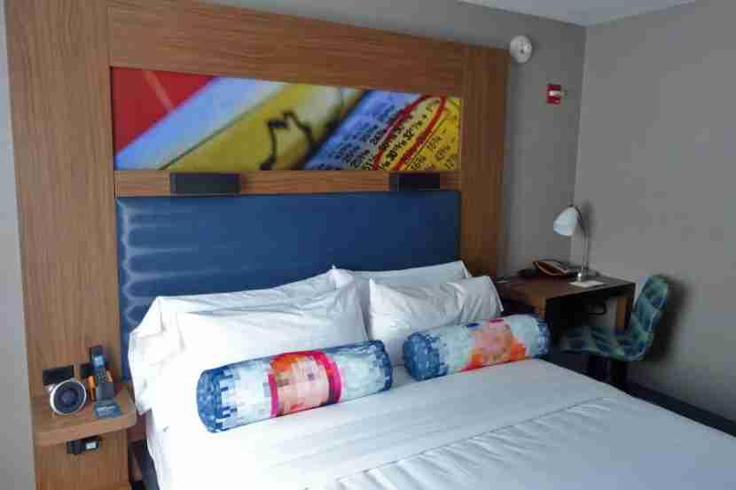 An Aloft Manhattan guest room.