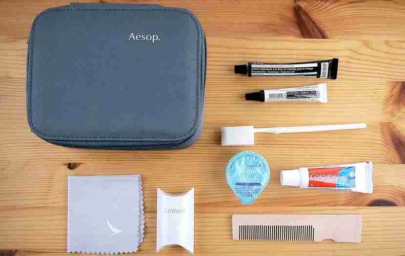 cathay first-class amenity kit