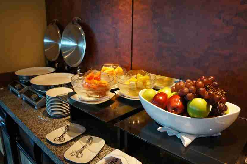 hilton-cartagena-executive-lounge-fruit