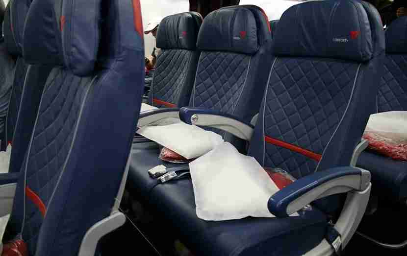 Delta posted record profit in 2015.