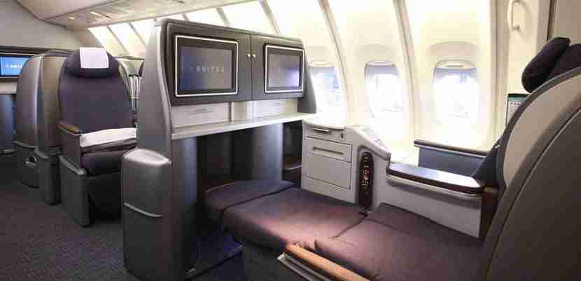 The old United seats are tired and uncompetitive, with a 2-4-2 layout. Image courtesy of United Airlines.