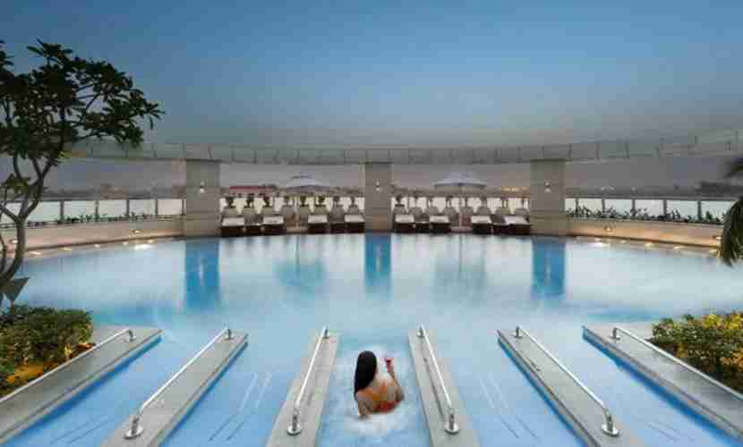 The Crowne Plaza Greater Noida swimming pool. Image courtesy of IHG.