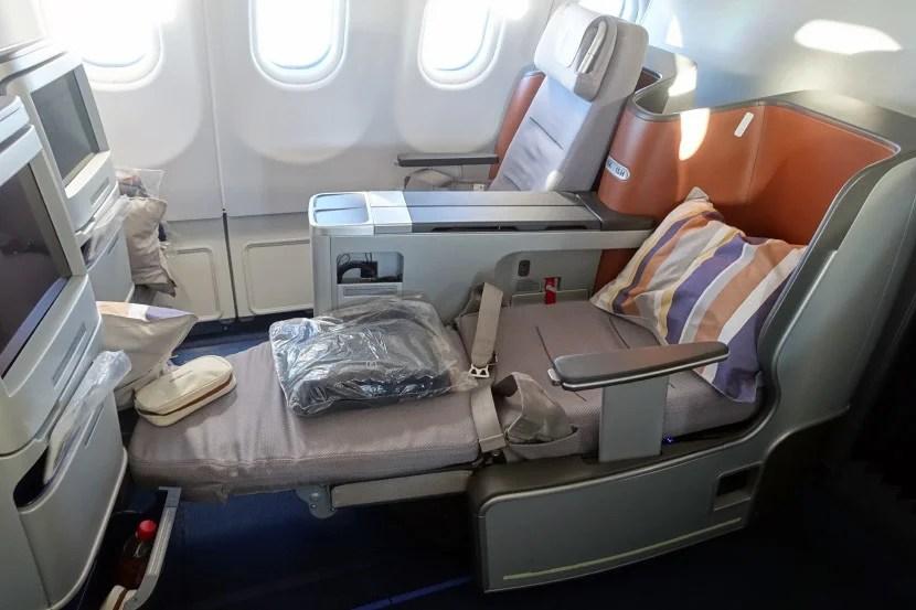 a8badb110 Amenity Kits  First Class vs. Business Class on Lufthansa