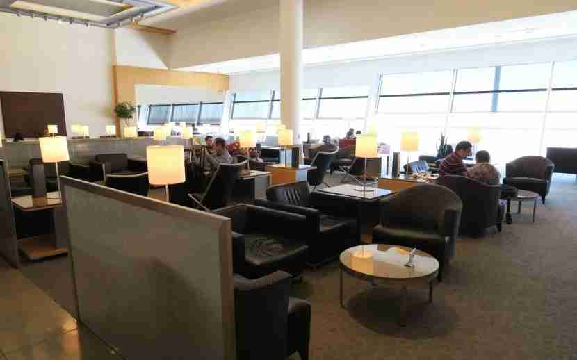The DFW Terminal D Admirals Club lounge sitting area.