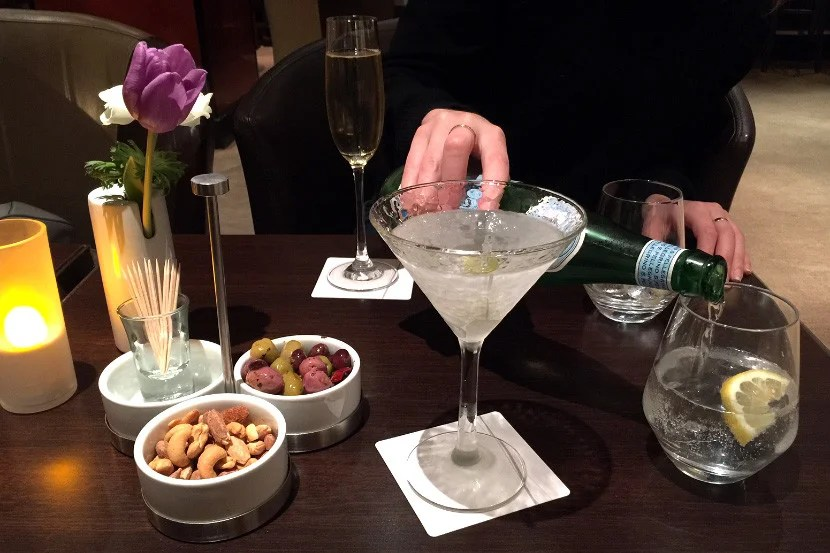 Diamond members get free drinks during happy hour.