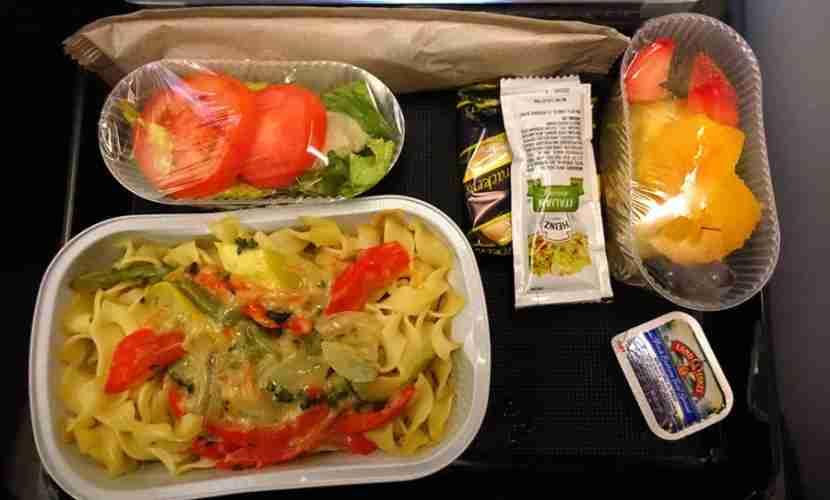 My vegetarian dinner (JFK-OSL).