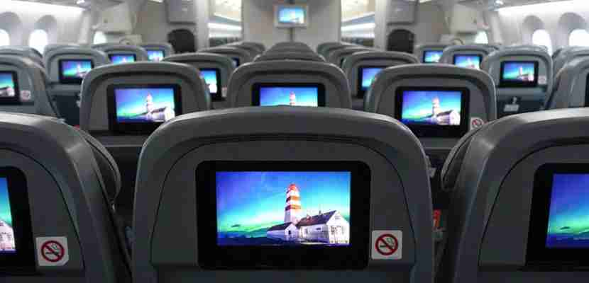 See the benefits of a bulkhead vs. regular economy seats on Norwegian
