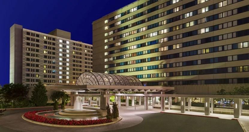 The exterior of the Hilton New York JFK Airport. Image courtesy of Hilton.