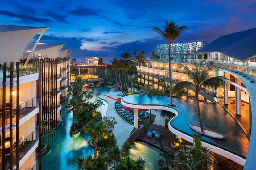Le Meridien Bali Jimbaran is a Category 3 property, requiring 7,000 Starpoints for a free night.