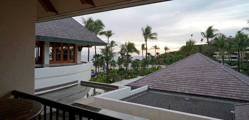 Maui-lobbyview