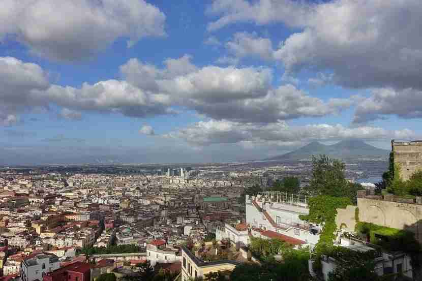 A view panoramic view of Naples. Image courtesy of the author.