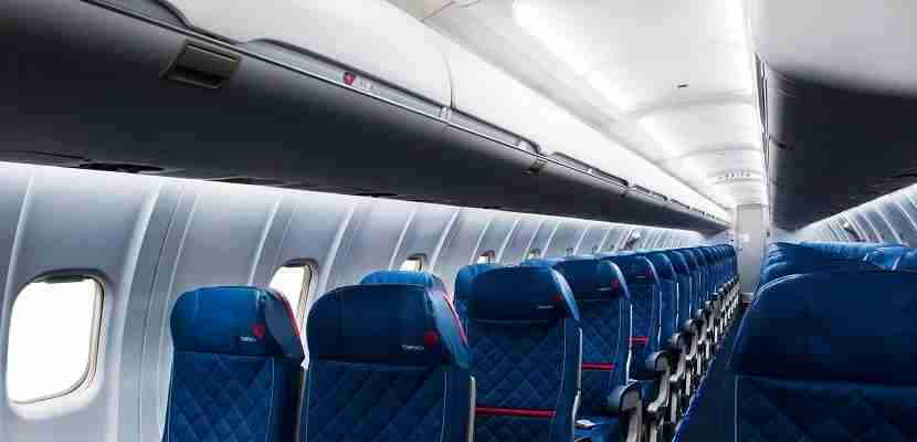 Delta-regional-jet-seats-and-overhead-bins-featured