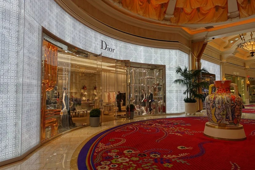 Storefronts in Las Vegas are glitzy, but rarely have many people in them.