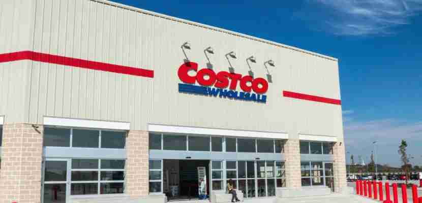 Use your Discover it Cash Back card at wholesale clubs like Costco in the second quarter of 2020 and get 5% cash back. (Photo by Shutterstock)