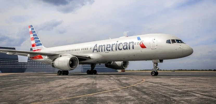 American-Airlines-plane-757-on-tarmac-featured