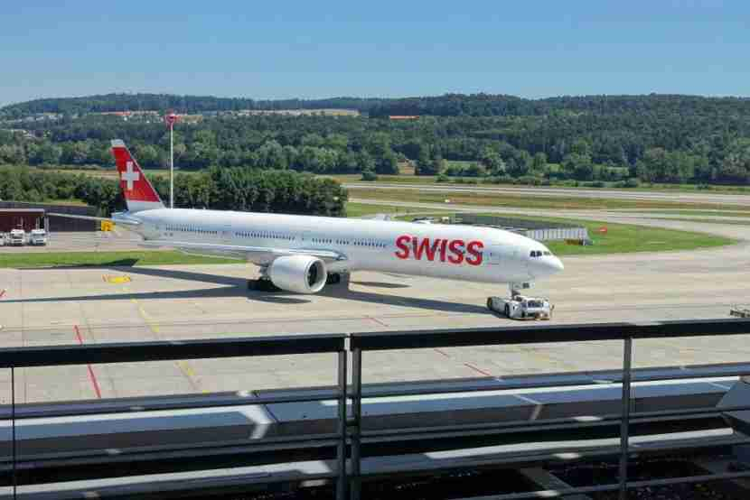 Swiss Business and Senator Lounge E Gates Zurich