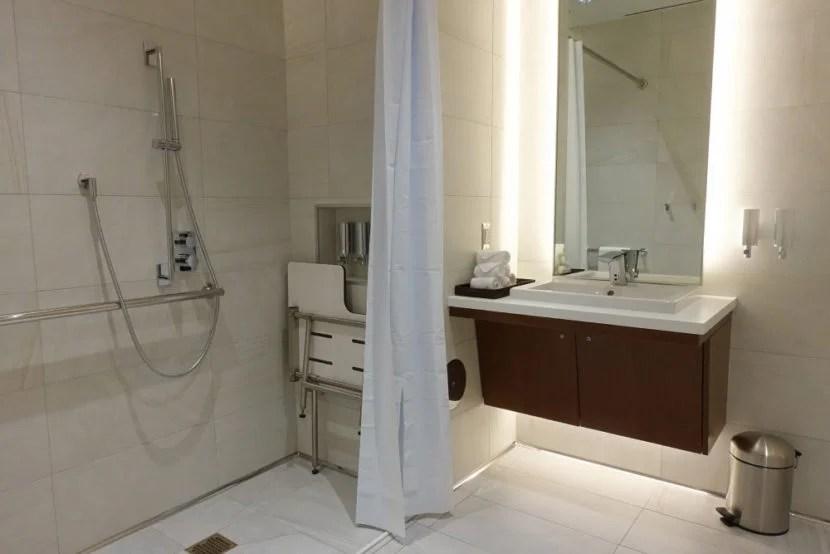 Etihad LAX Lounge Review