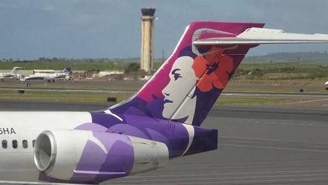ea4dad122f Review  Hawaiian Airlines (Boeing 717) Economy from Maui to Oahu