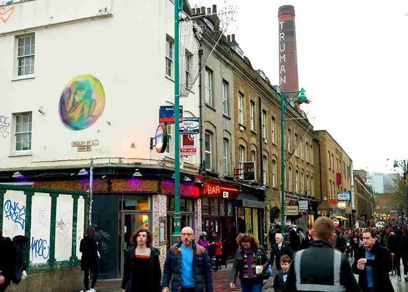 Brick Lane comes alive every Sunday with its bustling market. Image by Kofi Lee-Berman.