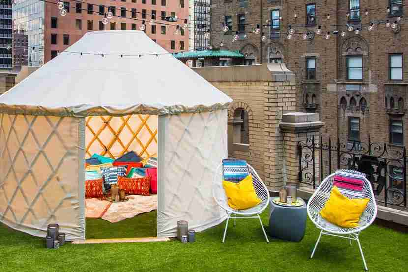 Glamping on the rooftop of the W New York. Image courtesy of Dustin Walker, Laurel & Wolf.