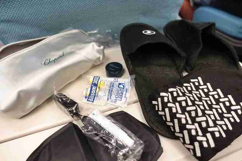 A look inside the amenity kit.
