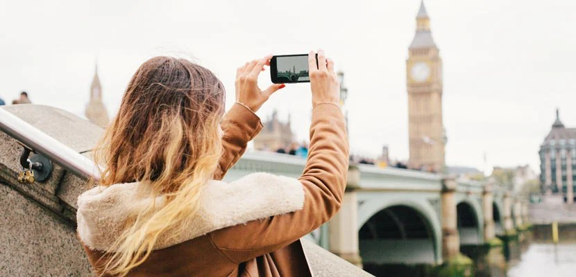 Can Sharing Your Vacation Photos Online be a Bad Thing? Team TPG Weighs In