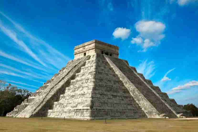 "Chichen Itzá is just one hour from the airport. Image courtesy of <a href=""http://www.shutterstock.com/pic-47443579/stock-photo-mayan-pyramid-of-kukulcan-el-castillo-chichen-itza-mexico.html?src=QYKBCyBv_4qkMnEzeJT5Fg-1-0"">Shutterstock</a>."