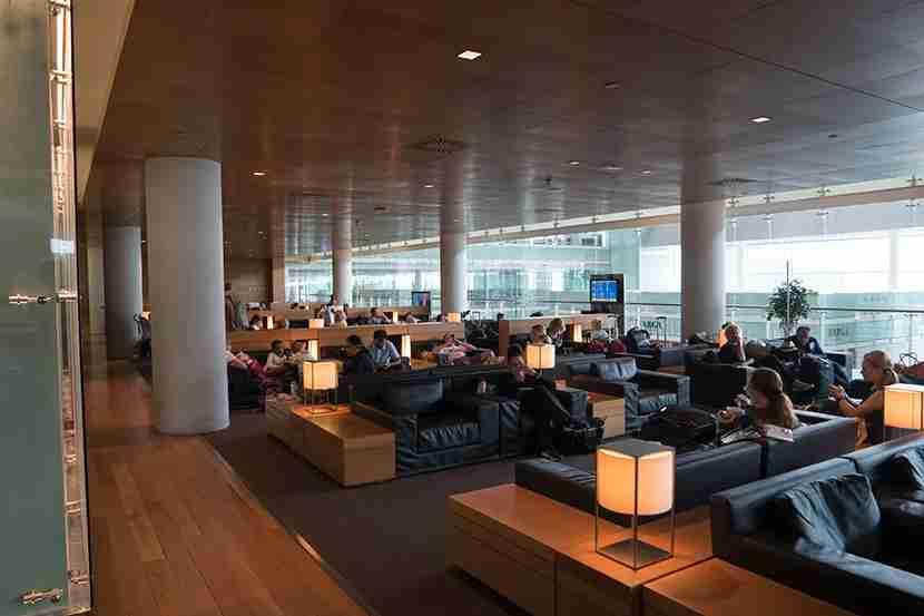 830 barcelona lounge